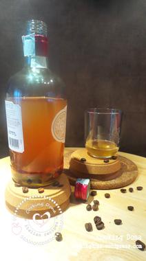 Rum bianco aromatizzato al caffè e mandorle